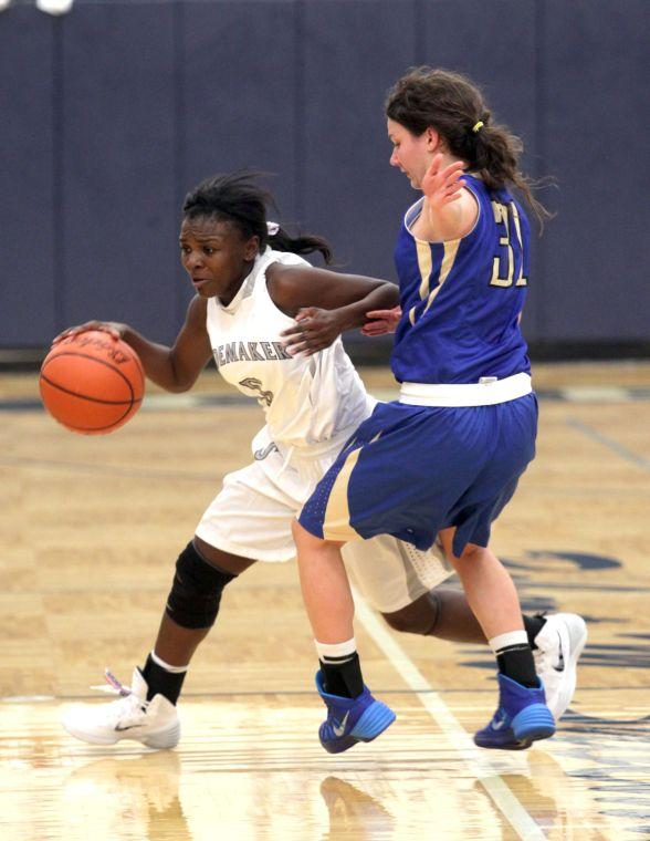 ShoemakerKerrvilleTivyBasketball 008.JPG