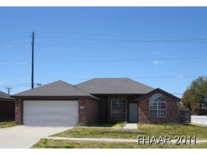 Availble October 15! Charming 1 story home with spice appeal!