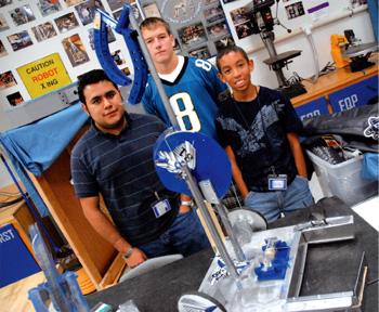 Robotics team makes top 10 in tech tourney