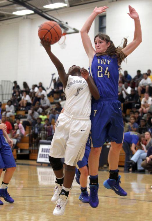 ShoemakerKerrvilleTivyBasketball 009.JPG
