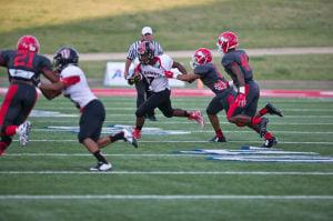Smith, Knights run and gun past Waco in season-opening 37-20 win