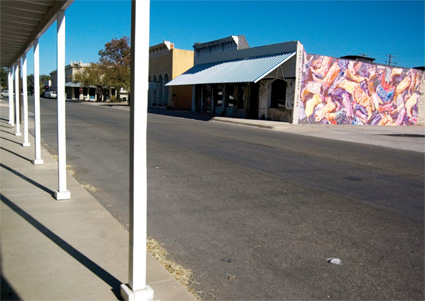Mural in Lampasas celebrates town's ties with cowboy boots