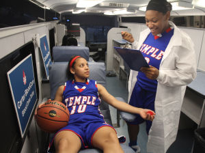 Girls Basketball Preview: Temple players Tyesha Taylor, right, and Jazzmen Ortiz - Photo by Herald/CATRINA RAWSON