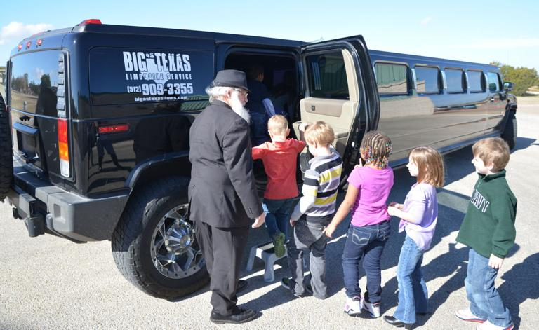 Williams/Ledger students get Hummer limo ride, Chick-fil-A lunch