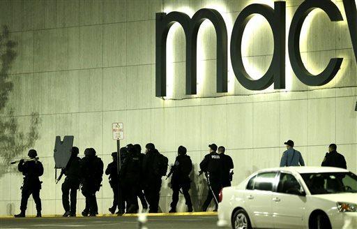 APTOPIX Mall Shots Fired
