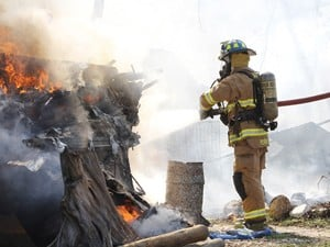 Fire destroys trailers in Belton