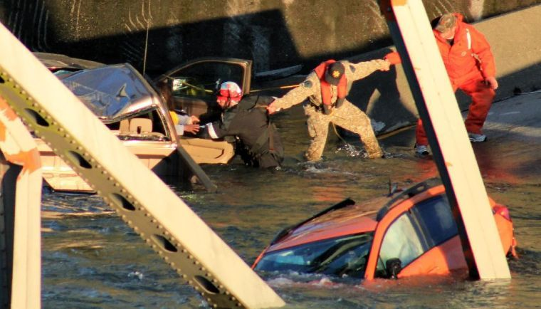 Interstate 5 bridge collapse