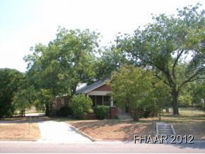 Spacious 1704 square foot house in Lampasas sitting on large