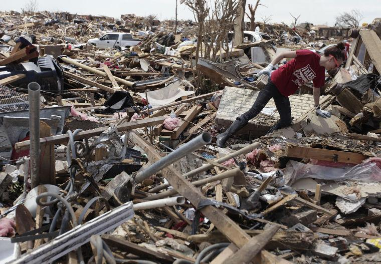 Tornado hits Oklahoma City suburb