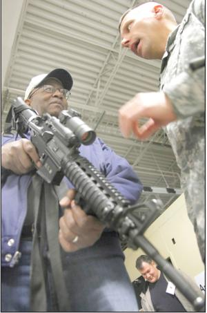 Employers learn about Guard members' responsibilities