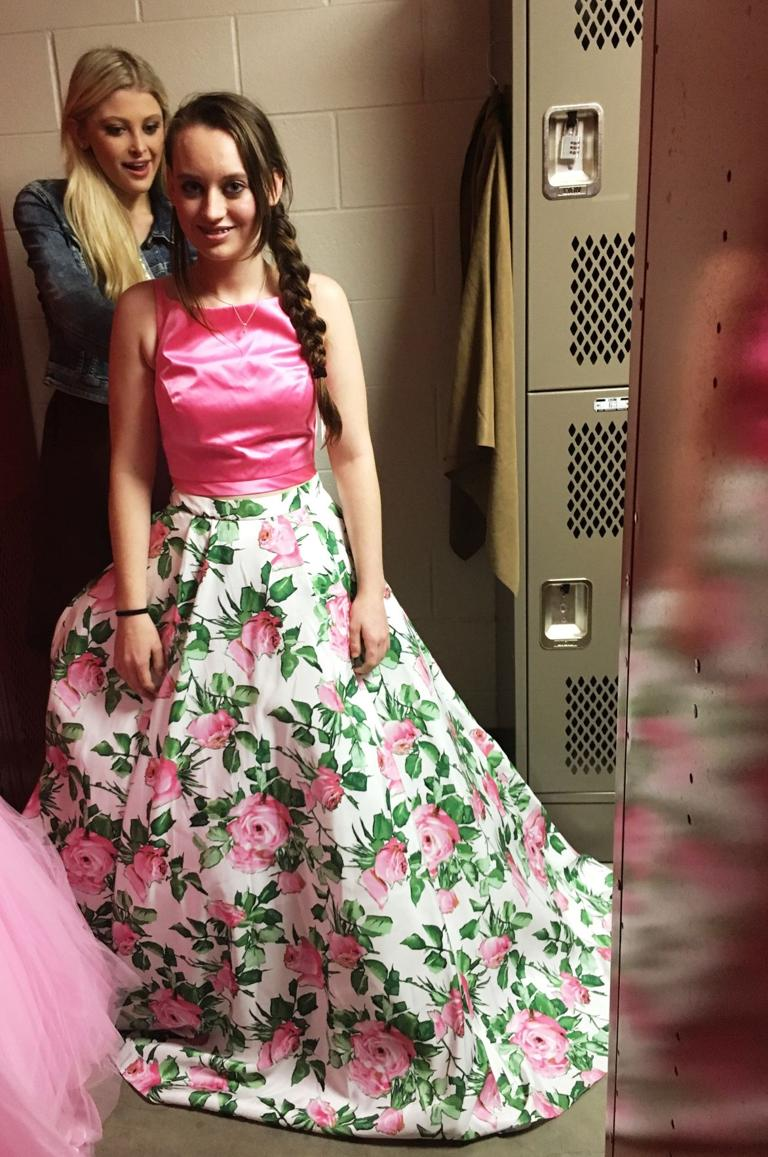 Teens rewarded through USO That's My Dress event