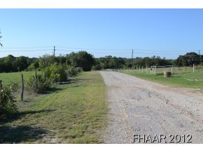 34.026 FENCED ACRES ~ LOCATED IN A PRIME LOCATION JUST OUTSIDE COPPERAS COVE AND NEAR FORT HOOD, NEAR THE CORNER OF 2808 AND 2657 ~ NEW SURVEY AVAILABLE ~ 1,403 FEET OF ROAD FRONTAGE ON 2808 ~