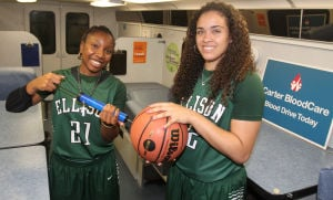 Girls Basketball Preview: Ellison players Francesca Patrick (21) and Jordanna Porter - Photo by Herald/CATRINA RAWSON