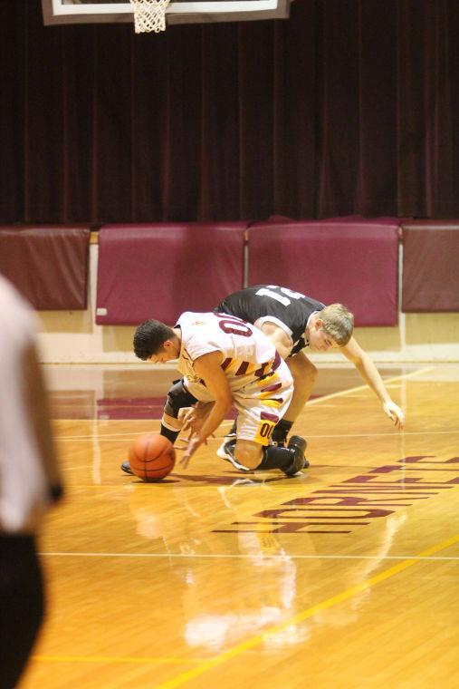 LometaEvantBOYSBasketball25.jpg