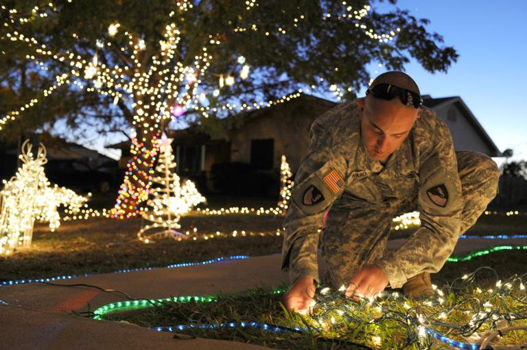 Some families in Killeen-Fort Hood area go all out with lights, inflatables for holidays