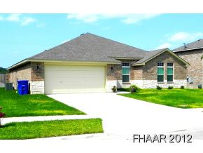 Awesome 4/2/2 in the quiet subdivision of Walker Place. Exterior