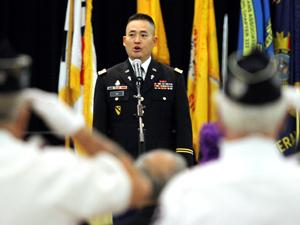 Community honors heroes of 'forgotten war' during banquet