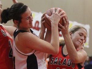 17-3 run spurs Salado to win over McGregor