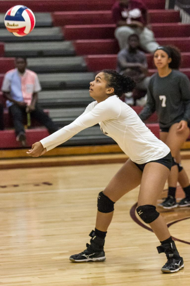 VOLLEYBALL: Lady Roos looking to get head start on playoff berth
