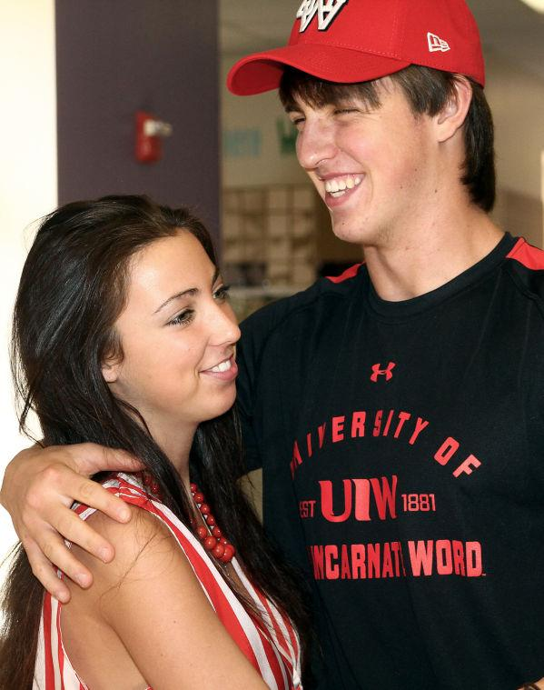 Hardy signs with Incarnate Word