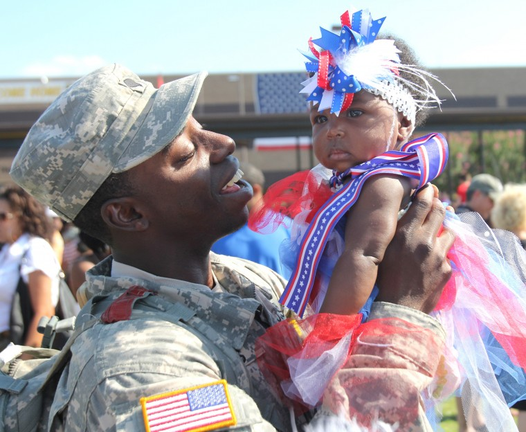 Year in Photos - 1st Cavarly Division Homecoming