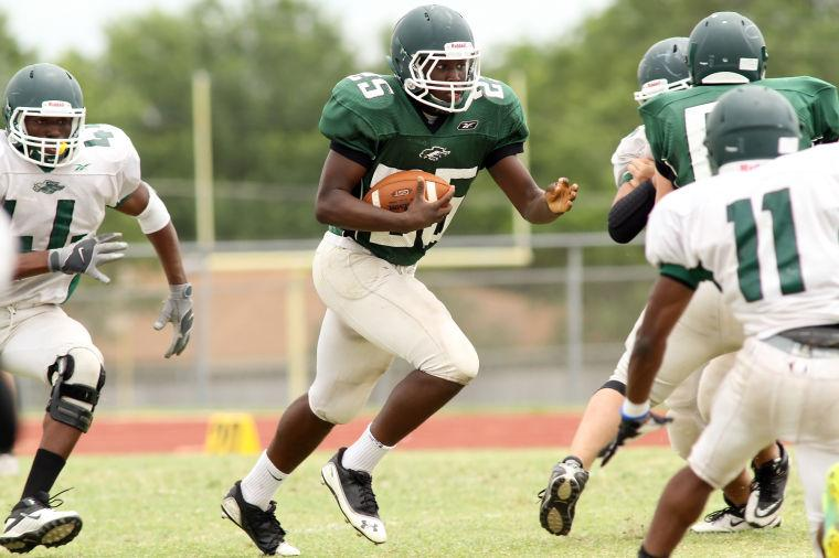 Green edges White in Ellison spring game