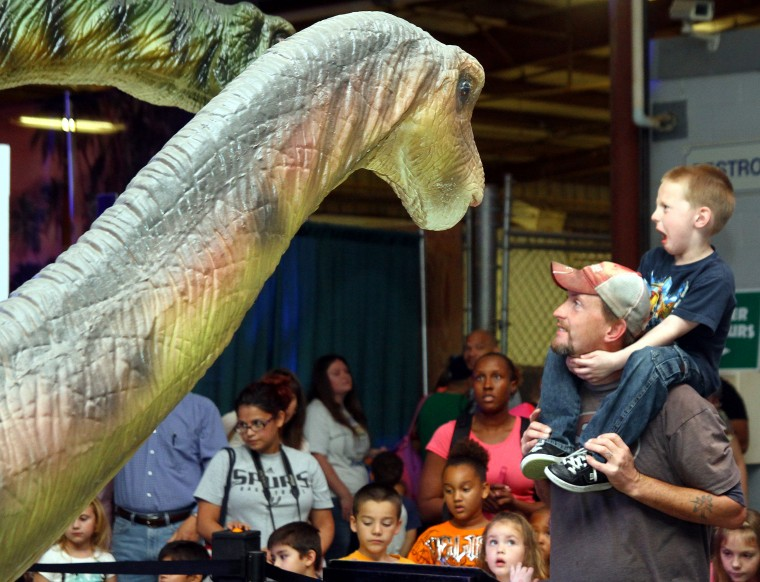 Discover the Dinosaurs in Belton