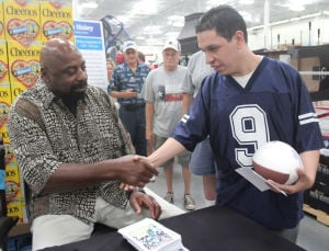 Ed 'Too Tall' Jones autograph signing