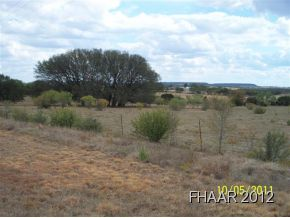Nice piece of land with beautiful views. Completely fenced and