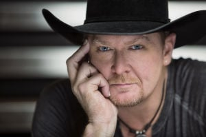 Tracy Lawrence headlines free show at Fort Hood