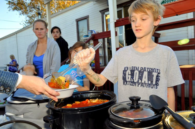 Cove kids serve homeless