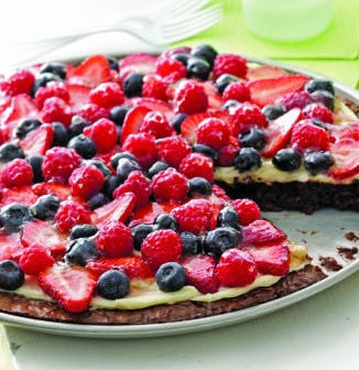 Brownie 'n Berries Dessert Pizza