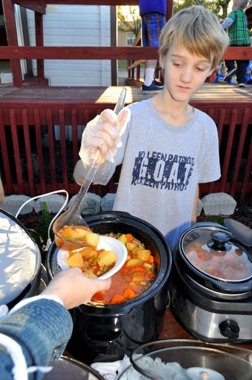 Cove kids serve homeless