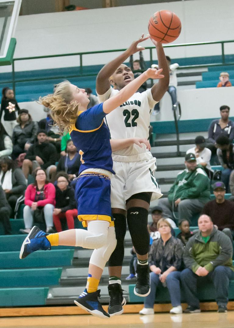 GIRLS BASKETBALL: Lady Eagles, Lady Roos set to square off tonight