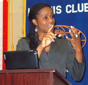 Barronnette talks to Kiwanis Club
