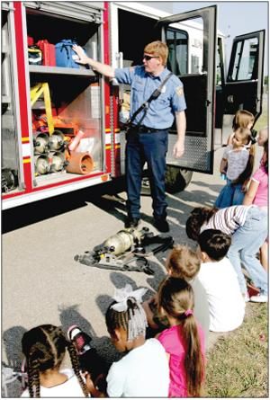 Duncan Elementary students learn about occupations
