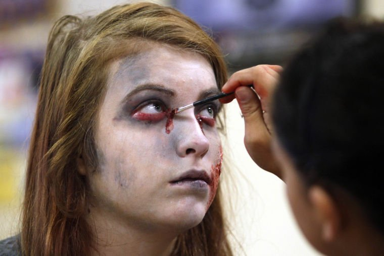 Zombie Walk 0001.jpg