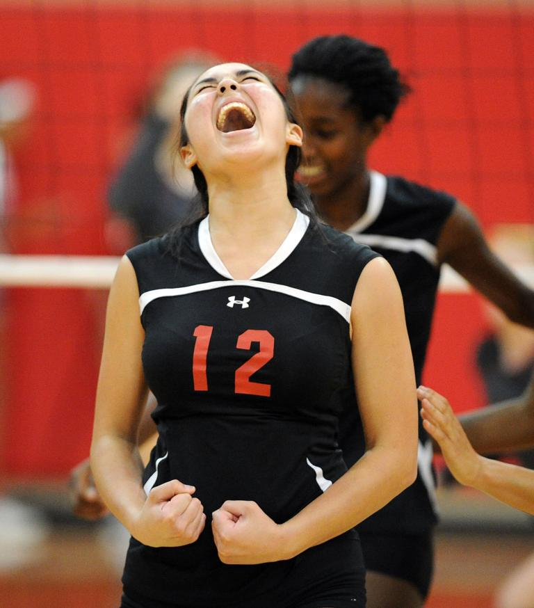 VOLLEYBALL: Harker Heights outlasts Salado for five-set victory on the road