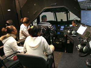 Middle schoolers experience pilot life