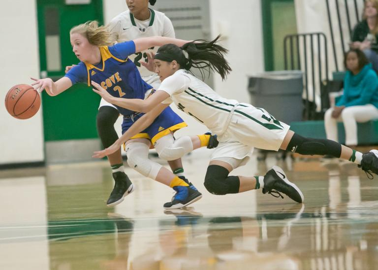 GIRLS BASKETBALL: Defense leads No. 8 Ellison in 64-35 win over Lady Dawgs