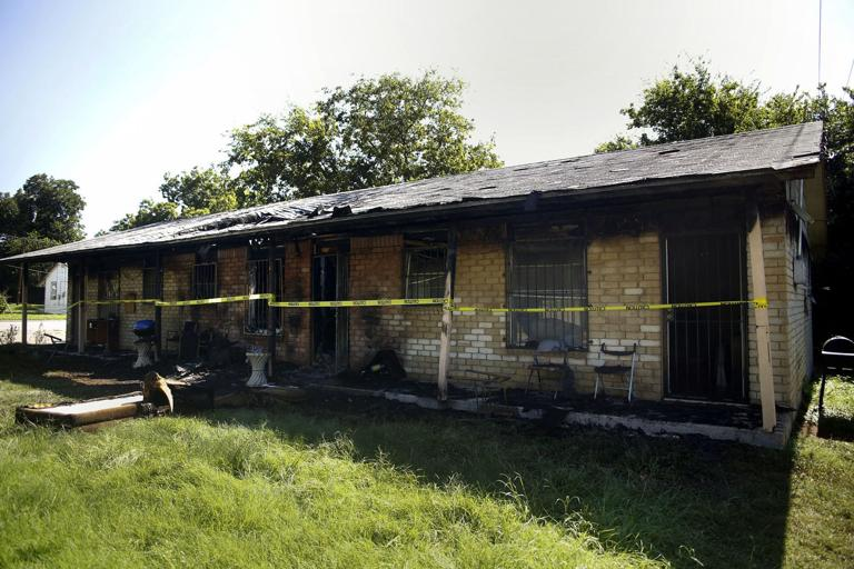 Fire at Killeen triplex was 'coming through the roof'