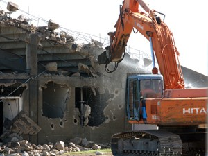 Demolition begins on Fort Hood's stadium