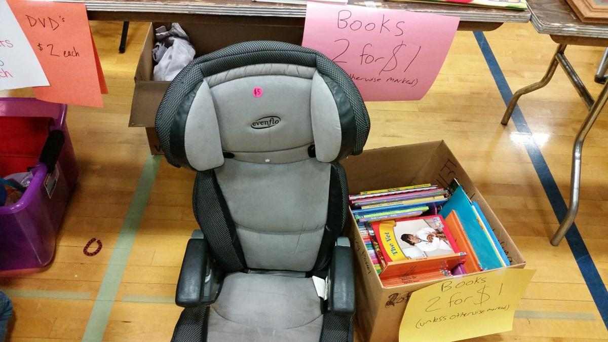 a dangerous deal car seats at iowa garage sales news. Black Bedroom Furniture Sets. Home Design Ideas