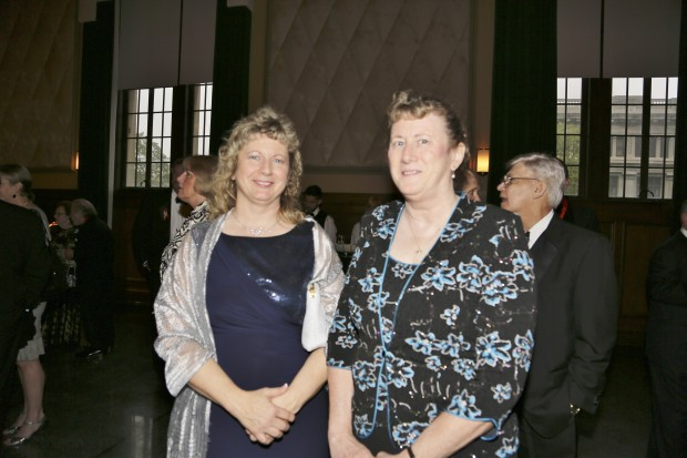 Gaile Abernathy, Sue Abernathy