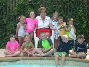 Evelyn Estenson and her great grandchildren.JPG