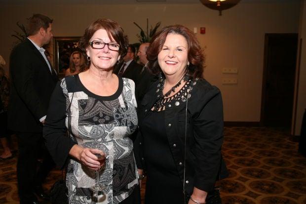 Debbie Stauffer, Linda Carraway