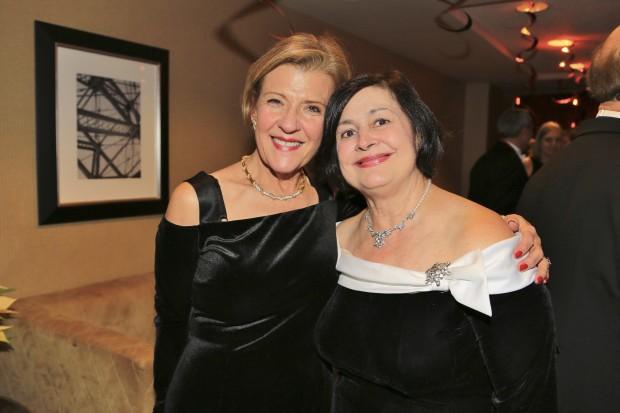 Deborah Moore, Constance Reis