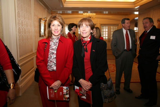 Lynn Bukovic, Jeane Hull