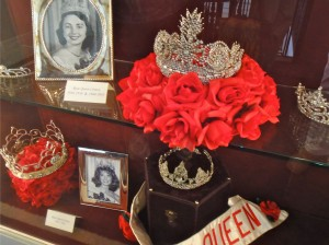 Queens crowns