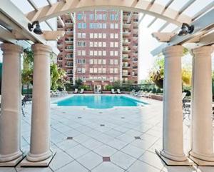 150 Carondelet Plaza, #2101